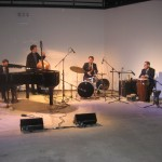 The jazz combo that set the mood for all this celebrity mingling!